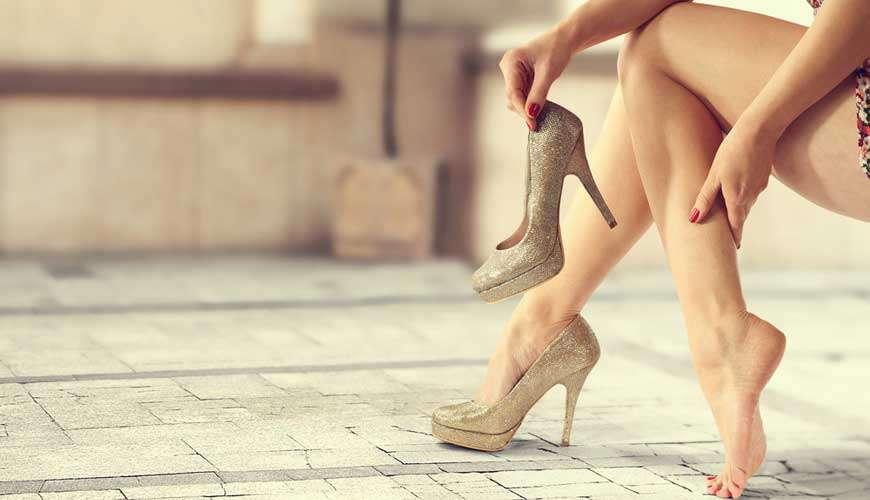 פתרון מפתיע לכאבים כתוצאה מנעילת נעלי עקב